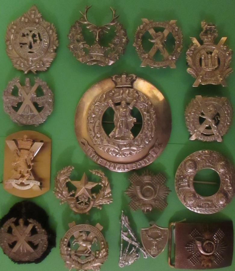 SCOTTISH BADGES AND ITEMS