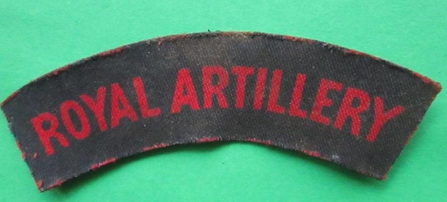 A WWII PRINTED ROYAL ARTILLERY SHOULDER TITLE