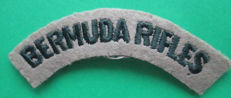 A WWII PERIOD BERMUDA RIFLES CLOTH SHOULDER TITLE