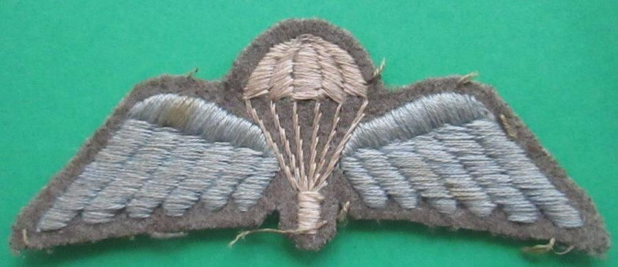 A WWII BRITISH FORCES PARACHUTISTS JUMP BADGE