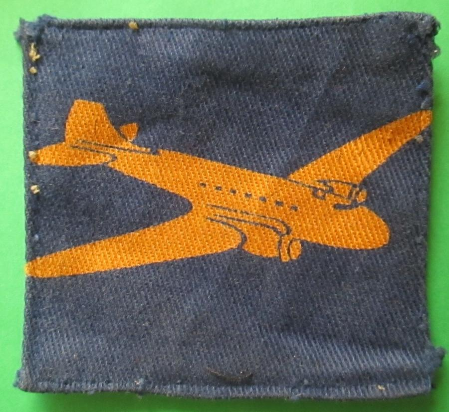 A GOOD ORIGINAL WWII AIR DISPATCHERS FORMATION  BADGE
