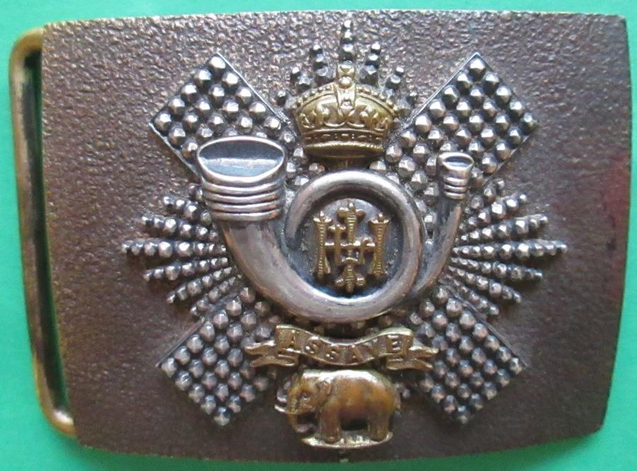 A VICTORIAN OFFICERS HIGHLAND LIGHT INFANTRY WAIST BELT BUCKLE