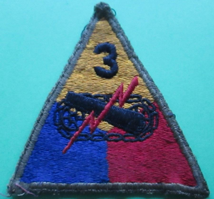 A GOOD WWII US ( ARMY ) 3RD TANK BATTALION PATCH