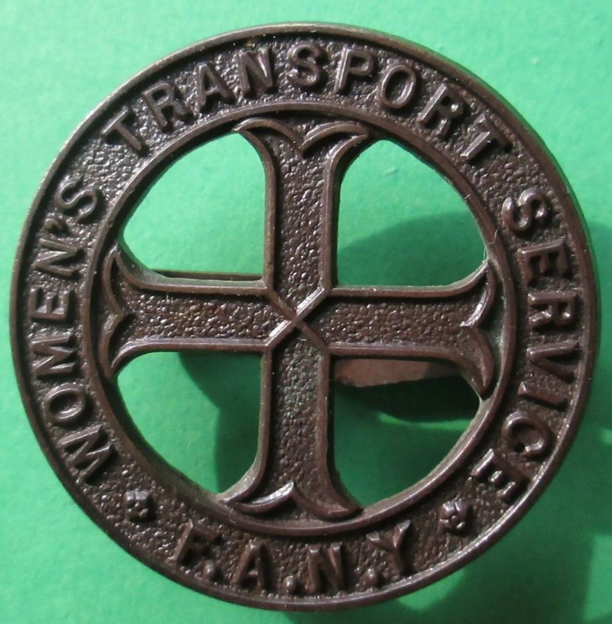 A WWII WOMAN'S TRANSPORT SERVICE BRONZE CAP BADGE
