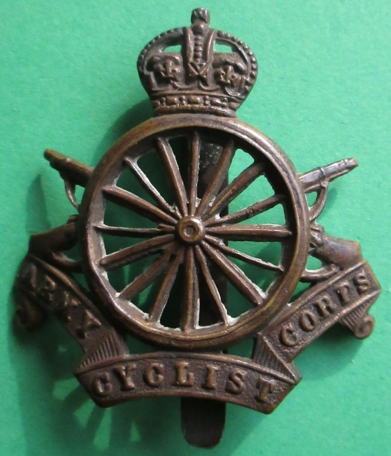 A WWI ARMY CYCLIST CORPS CAP BADGE