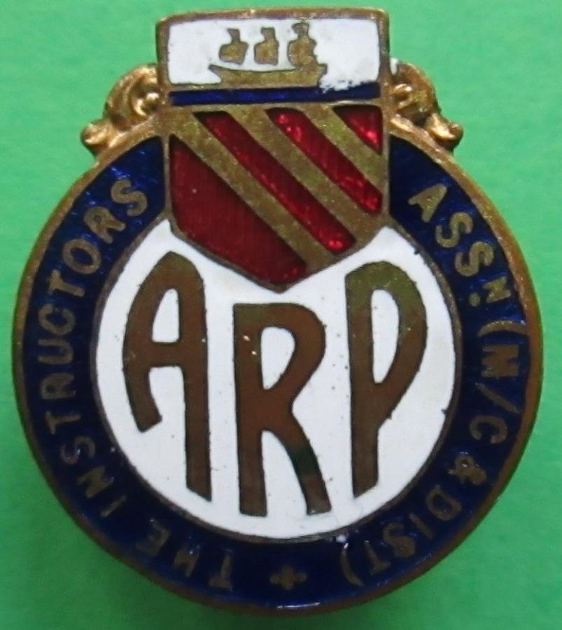 A WWII ARP MANCESTER CITY INSTRUCTORS ASSOCIATION LAPEL BADGE