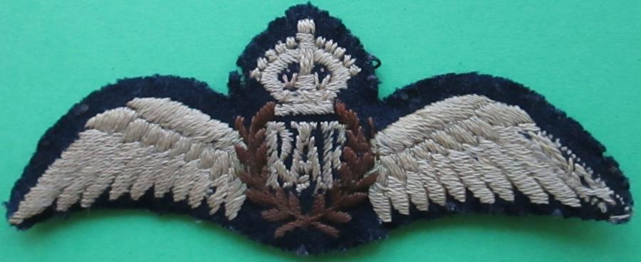 A GOOD PRE 1952 WWII PERIOD RAF PILOTS WINGS WINGS