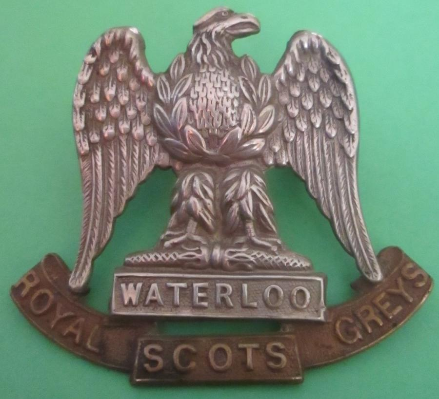 A GOOD EARLY ROYAL SCOTS GREYS OTHER RANKS CAP BADGE