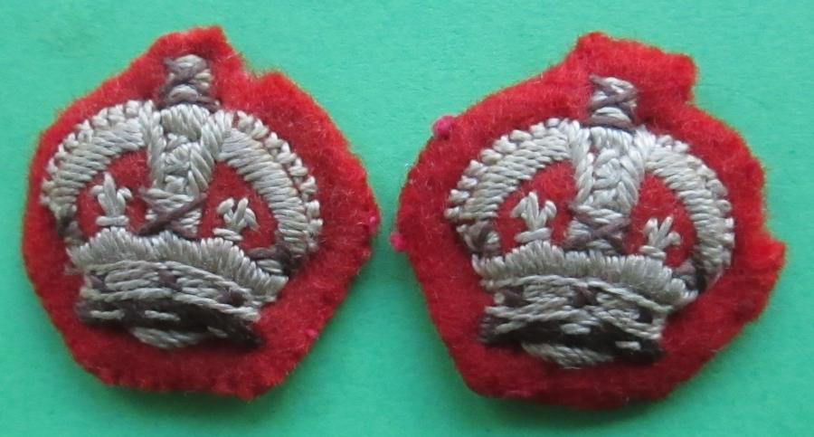 A PAIR OF INFANTRY MAJORS KINGS CROWNS