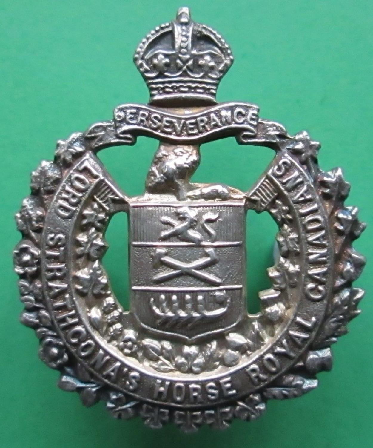 A OFFICERS SILVER LORD STRATHCONA'S HORSE ROYAL CANADIANS COLLAR BADGE
