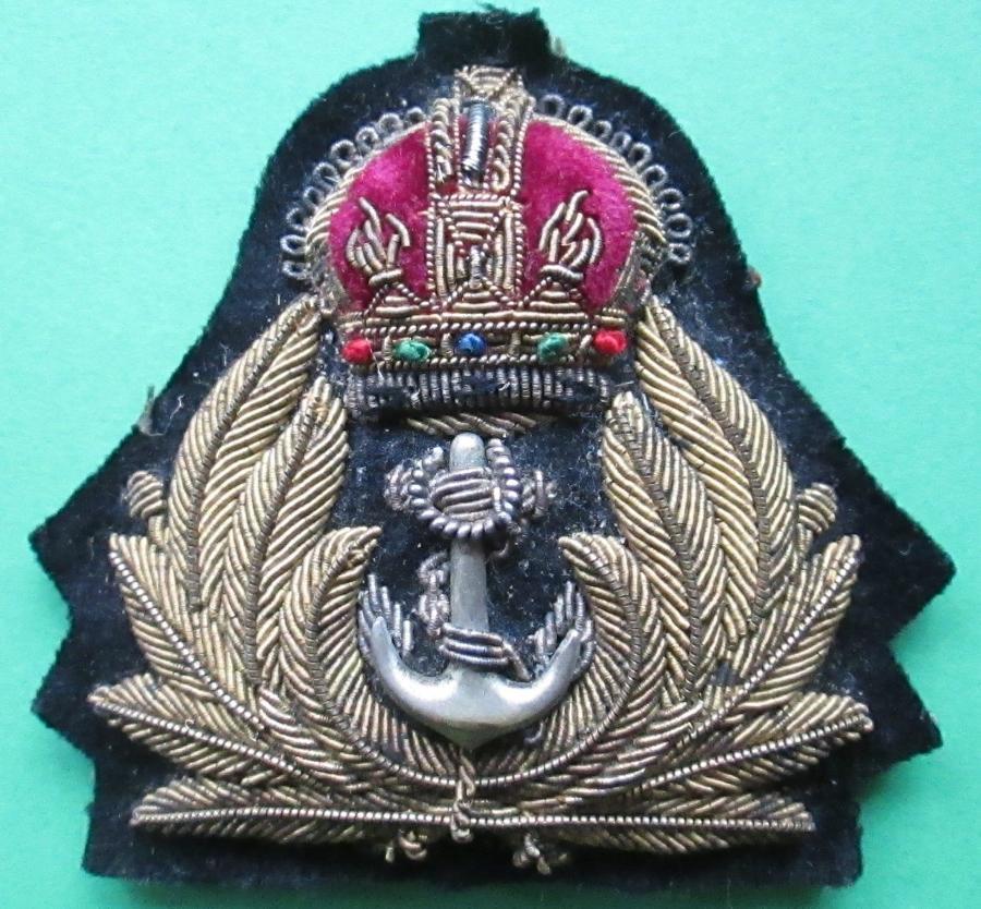 A KINGS CROWN ROYAL NAVY OFFICERS CAP BADGE