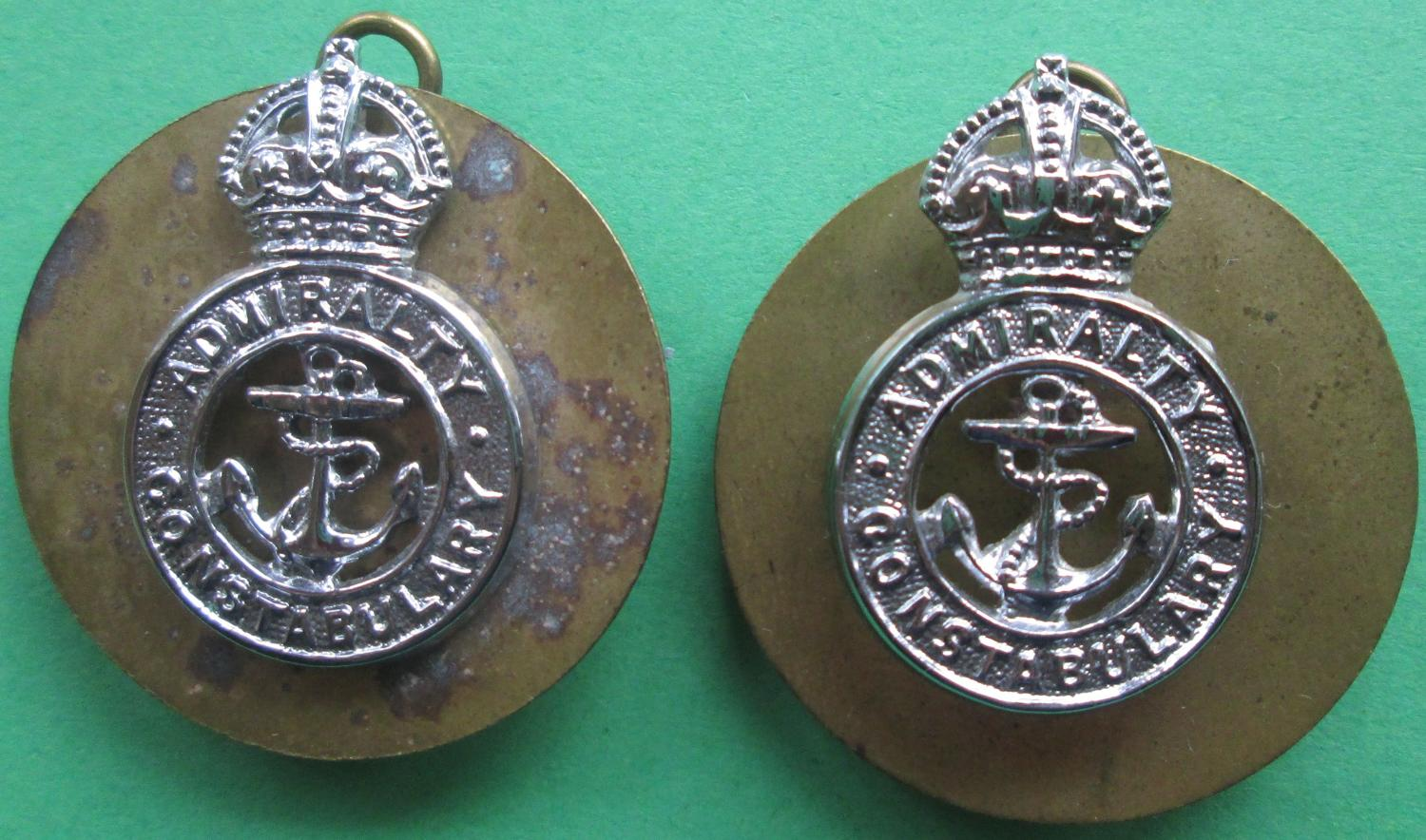 A PAIR OF KINGS CROWN PRE 1952 ADMIRALTY CONSTABULARY COLLAR DOGS