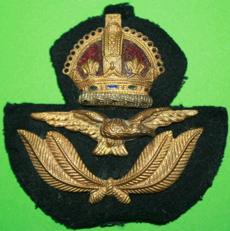 A  WWII RAF ECONOMY OFFICERS CAP BADGE