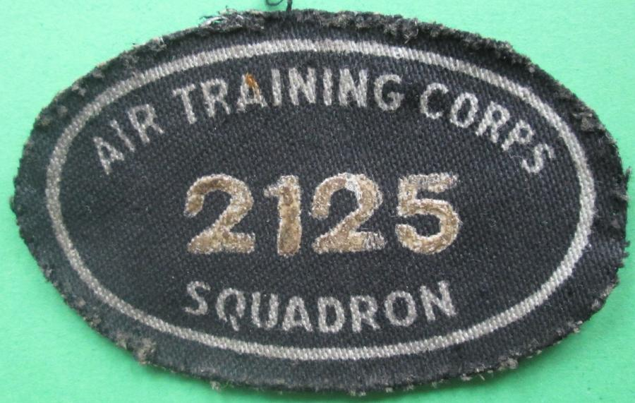 A WWII AIR TRAINING CORPS 2125 SQUADRON OVAL ARM PATCH