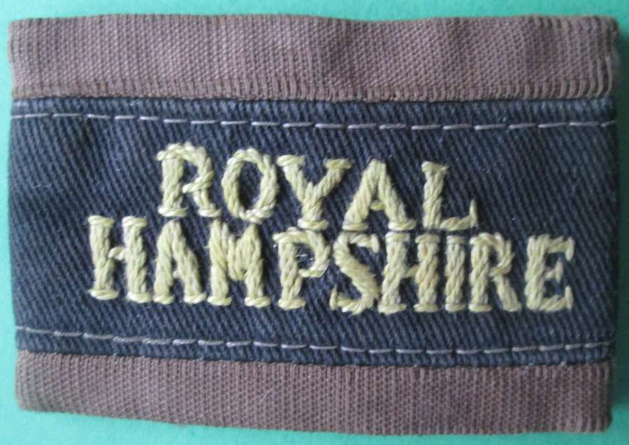 A ROYAL HAMPSHIRE SLIP ON TITLE