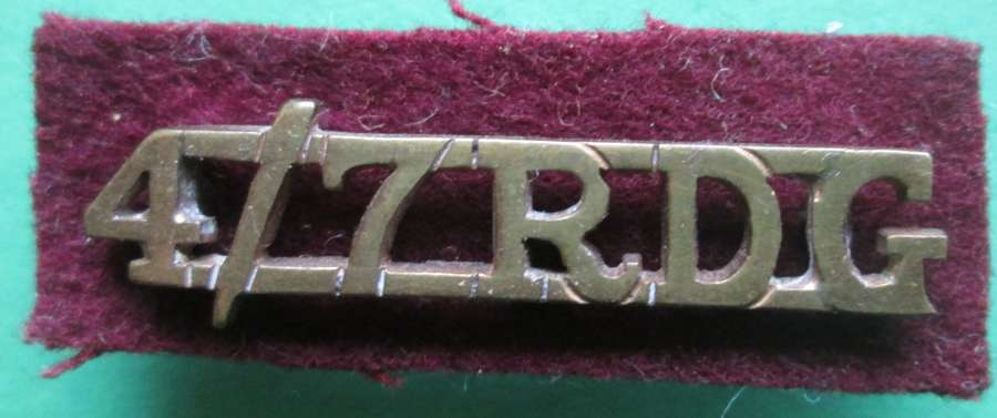 A 4TH 7TH DRAGOON GUARDS SHOULDER TITLE