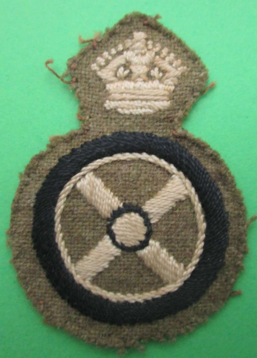 A WWII PERIOD DRIVER INSTRUCTORS BADGE