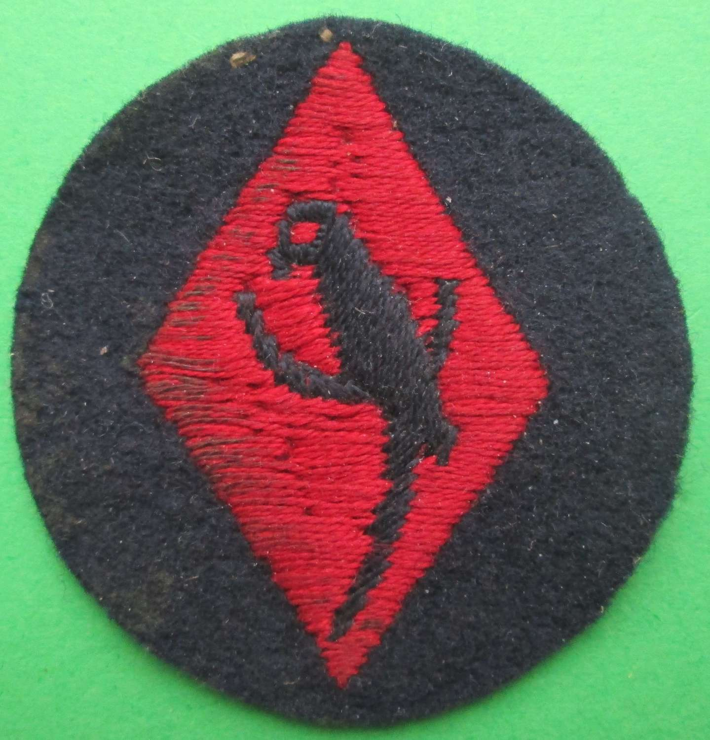 A 48TH (SOUTH MIDLAND) DIVISION 1ST PATTERN FORMATION SIGN