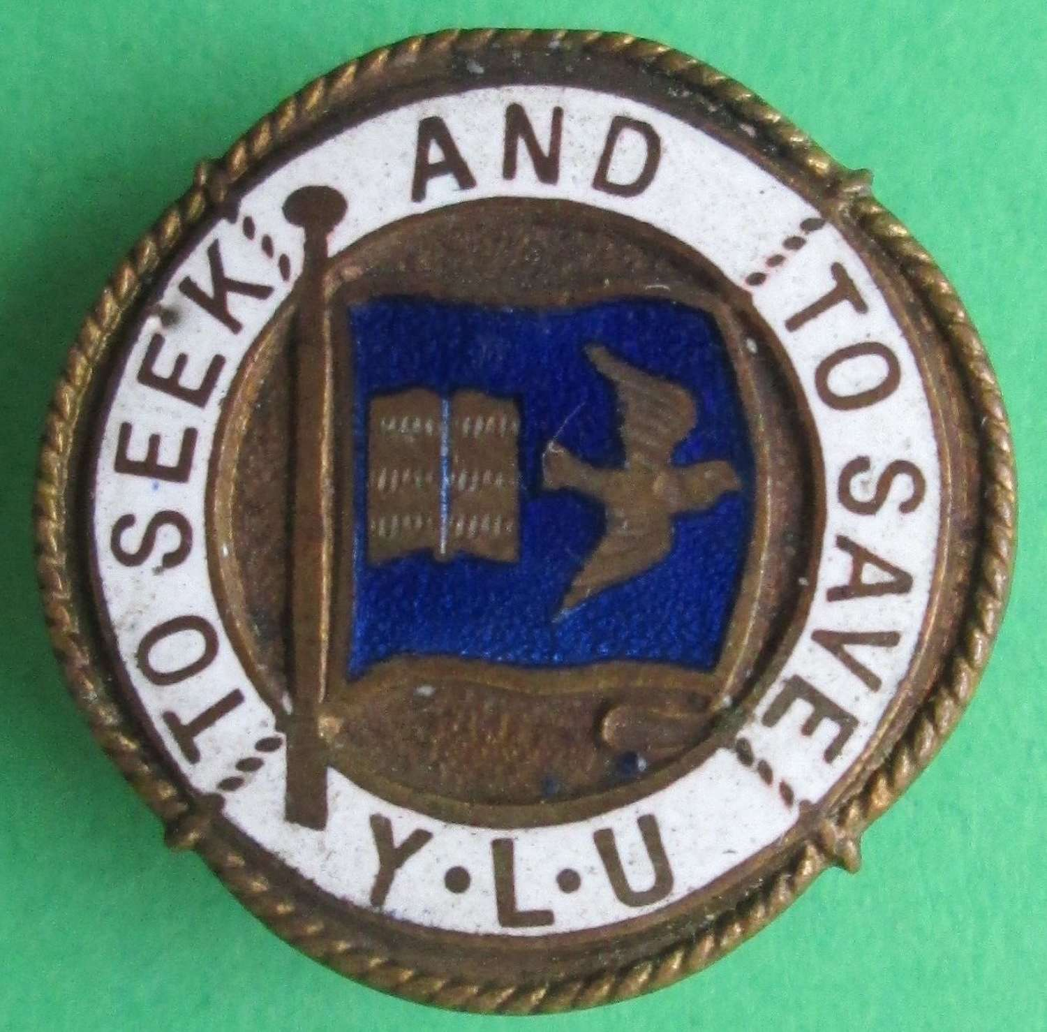 AN ENAMEL YOUNG LEADERS UNION LAPEL BADGE