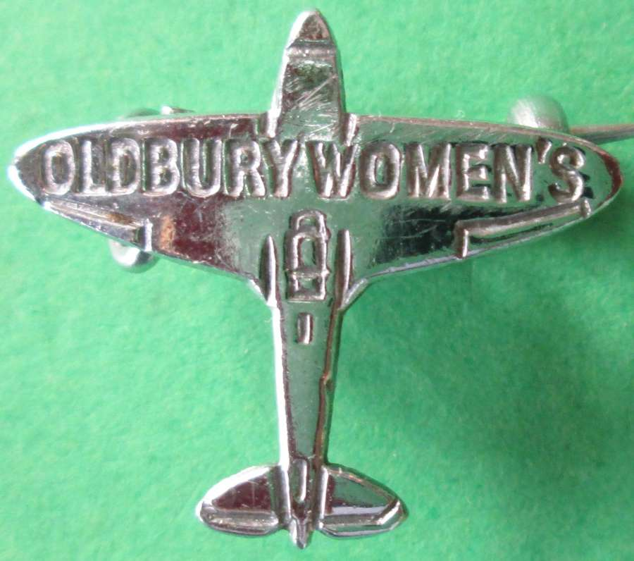 A WWII OLDBURY WOMEN'S SPITFIRE FUND BADGE
