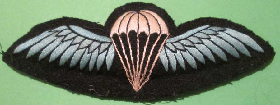 A VERY RARE EXAMPLE OF A WWII PERIOD SILK MADE JUMP WING