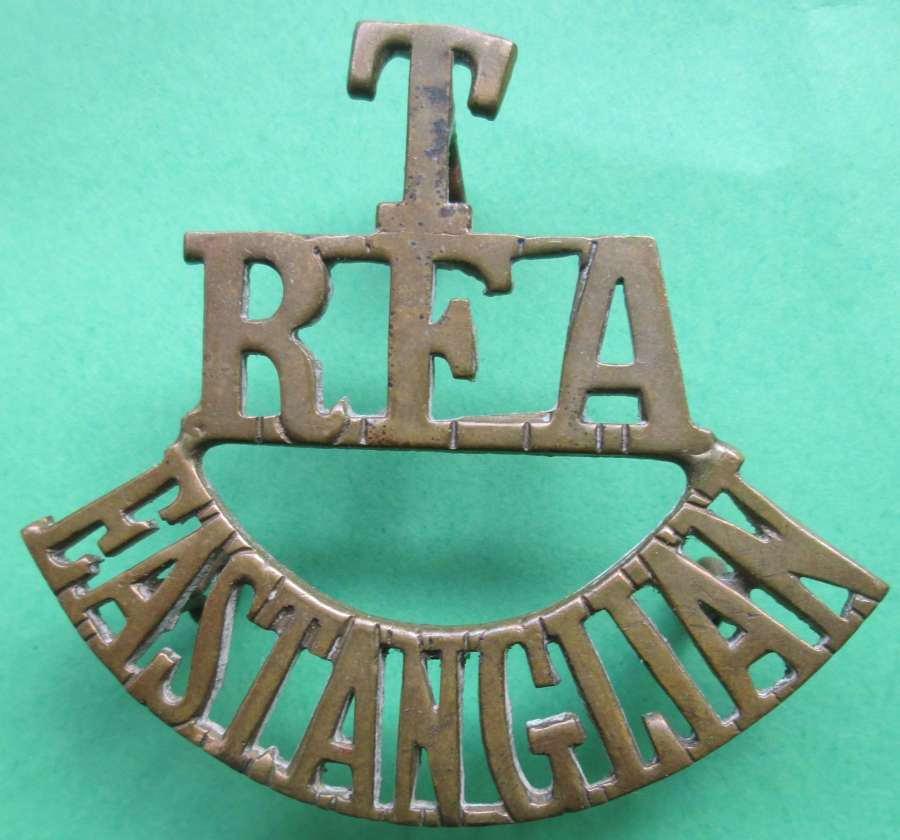 A TERRITORIAL EAST ANGLICAN  ROYAL FIELD ARTILLERY SHOULDER TITLE