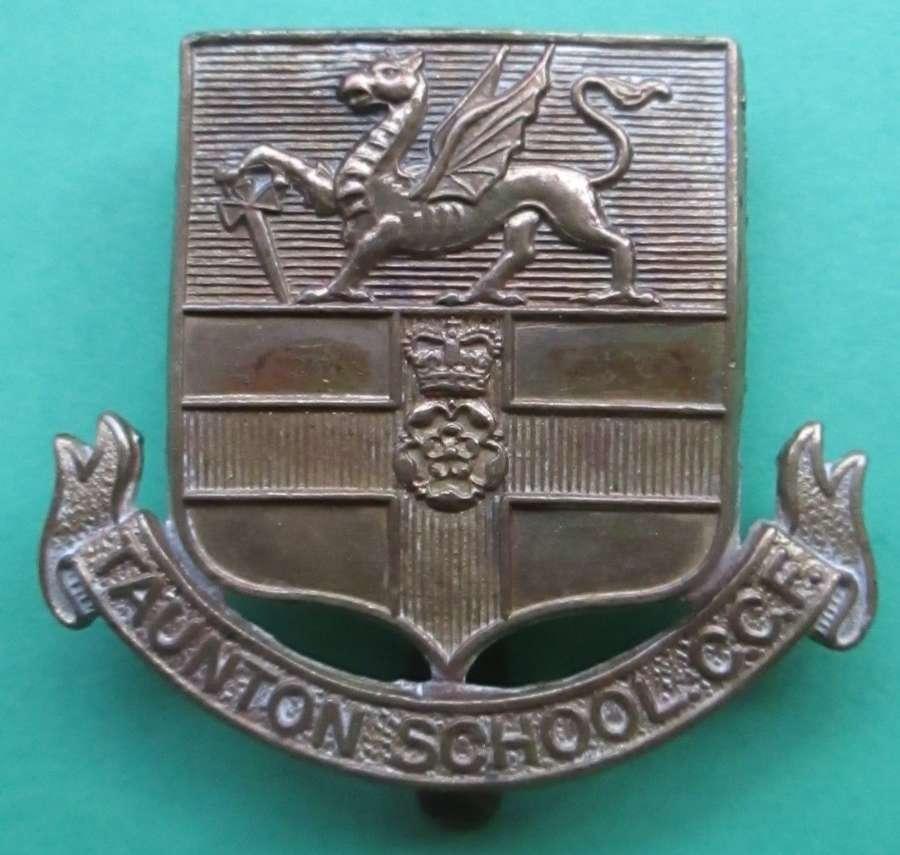 A TAUNTON SCHOOL CCF CAP BADGE