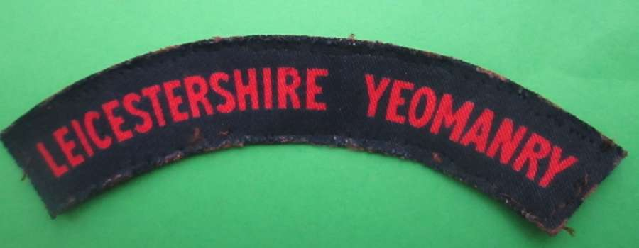 A LEICESTERSHIRE YEOMANRY SHOULDER TITLE