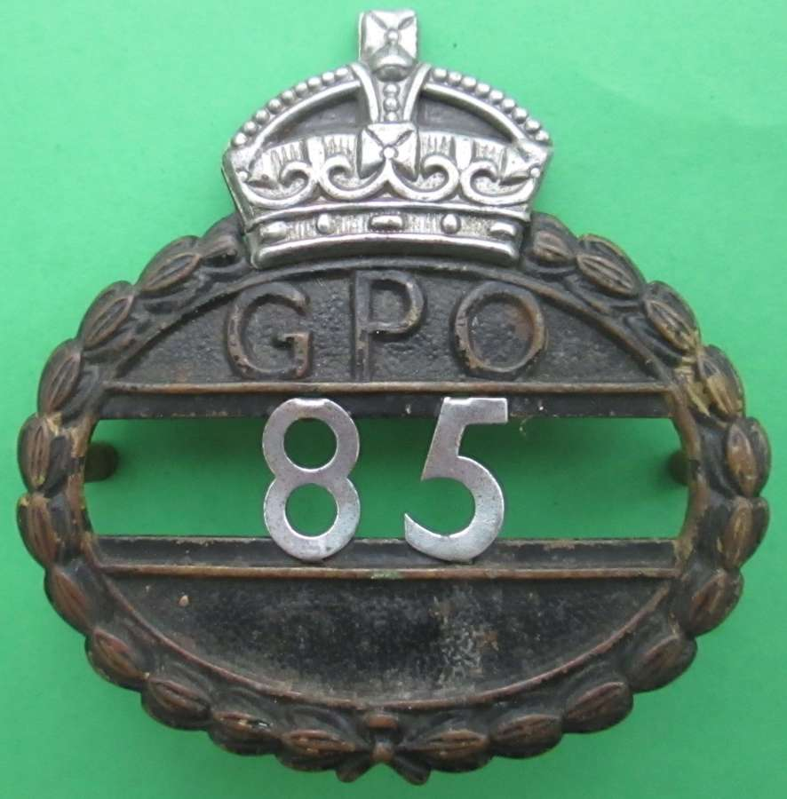 A WWII PERIOD GPO ( GENERAL POST OFFICE ) WORKERS BADGE