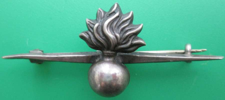 A STERLING SILVER GRENADIER GUARDS SWEETHEART BROOCH