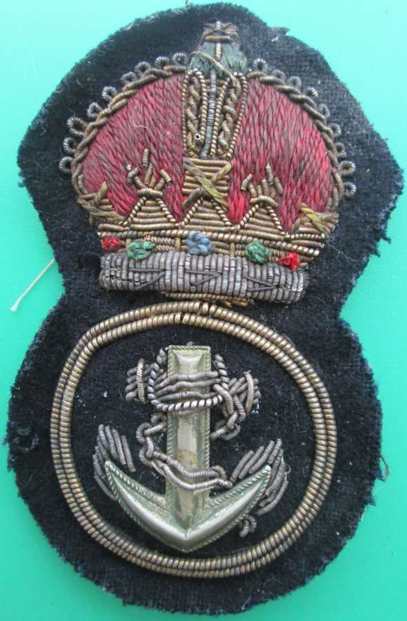 A BULLION WIRE PETTY OFFICERS CAP BADGE