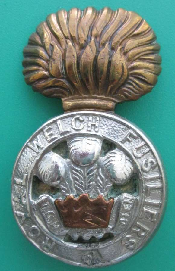 A ROYAL WELCH FUSILIERS CAP BADGE