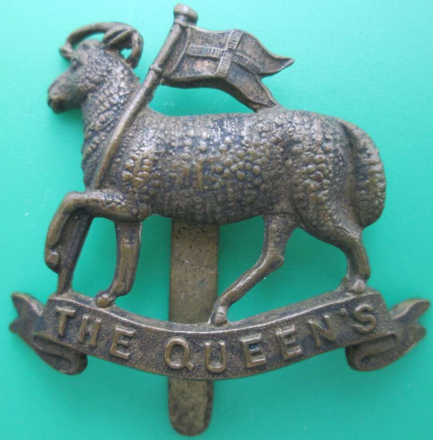 WWI PERIOD QUEEN'S TERRITORIAL CAP BADGE