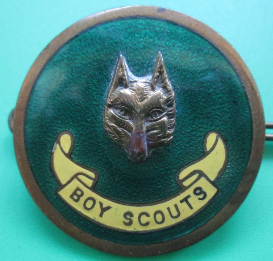 A BOY SCOUTS CLUB MASTERS BADGE
