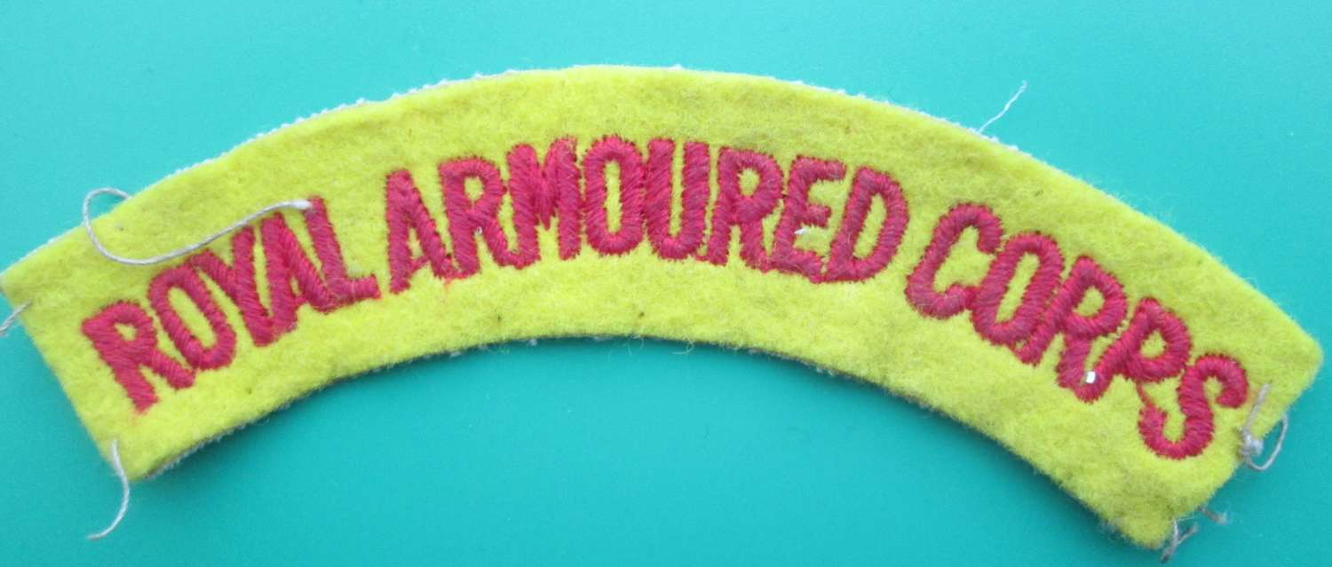 A ROYAL ARMOURED CORPS SHOULDER TITLE