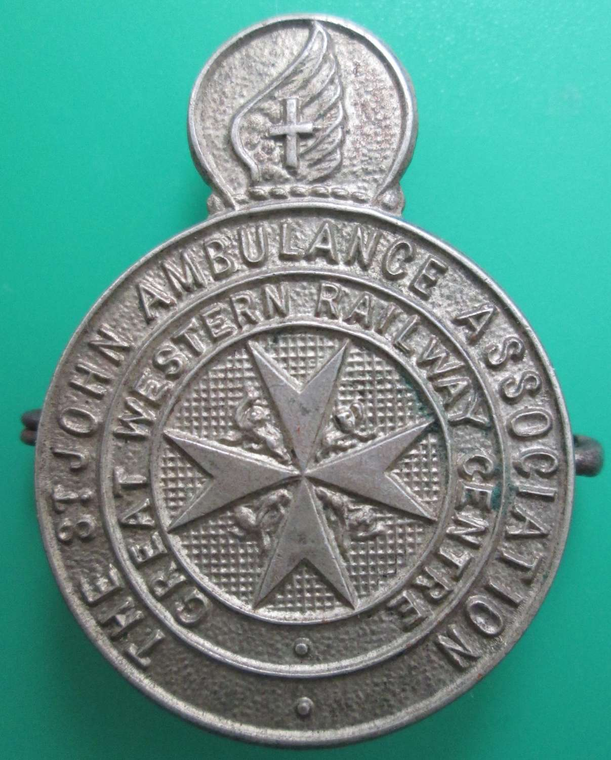 A ST JOHN AMBULANCE BADGE FOR THE GWR CENTRE