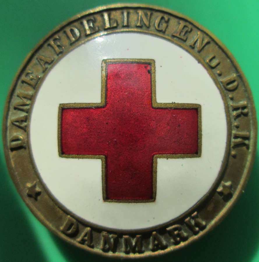 A DENMARK WWI PERIOD RED CROSS PIN BADGE