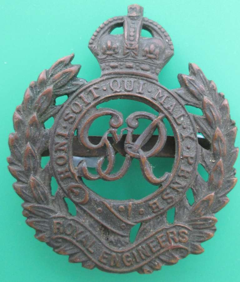 A BRONZE OFFICER'S ROYAL ENGINEERS BADGE POST 1937 EXAMPLE