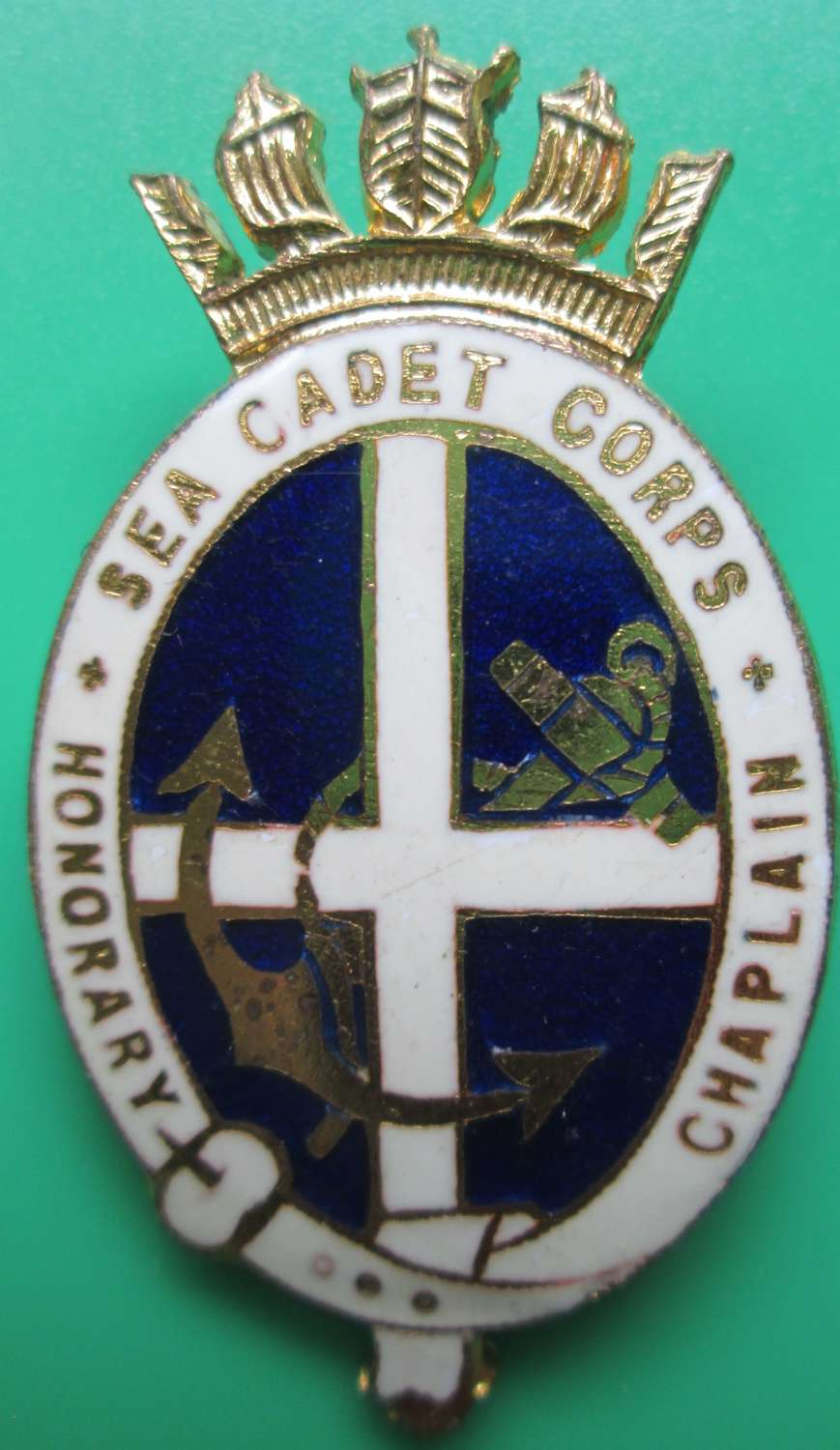 A SEA CADET CORPS CHAPLAINS BADGE