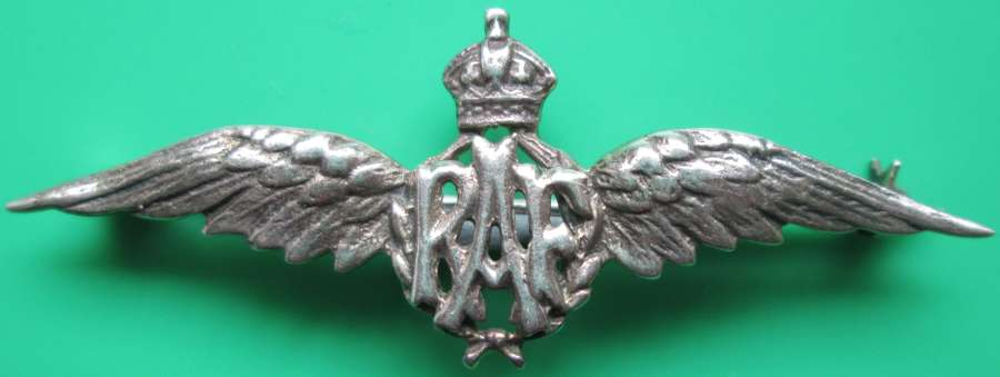 A KINGS CROWN SILVER RAF PILOTS WINGS SWEETHEART BROOCH