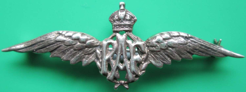 A KINGS CROWN SILVER RAF PILOTS WINGS SWEETHEART BROOCH