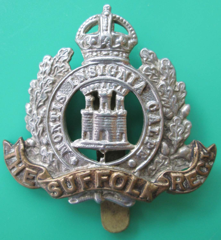 WWII PERIOD SUFFOLK REGIMENT CAP BADGE