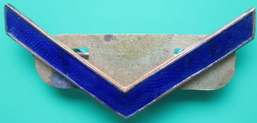A WWI METAL WAR SERVICE STRIP IN BLUE