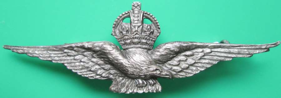 A VERY FINE SILVER WWI RNAS PILOTS WING SWEETHEART BROOCH
