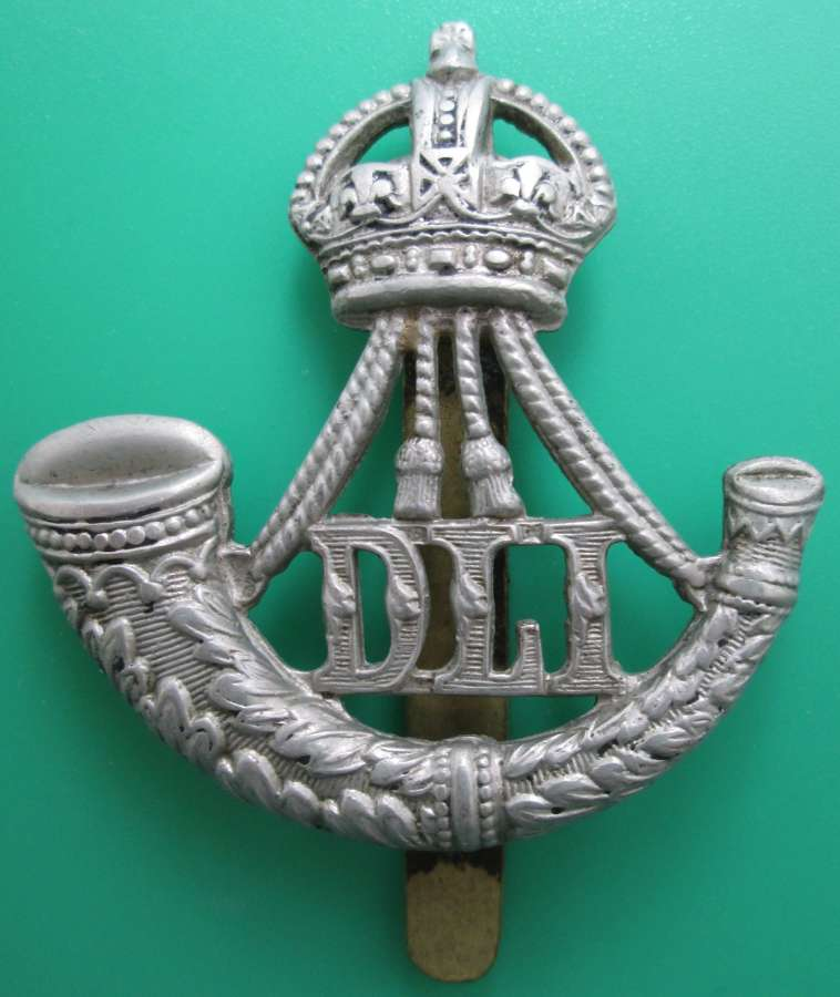 A DURHAM LIGHT INFANTRY CAP BADGE