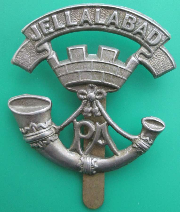 A PRINCE ALBERT'S SOMERSET LIGHT INFANTRY CAP BADGE
