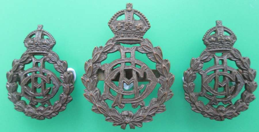 A SET OF ARMY DENTAL CORPS BADGES