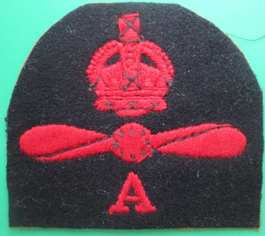AN AIR MECHANIC AIR FRAME QUALIFICATION BADGE