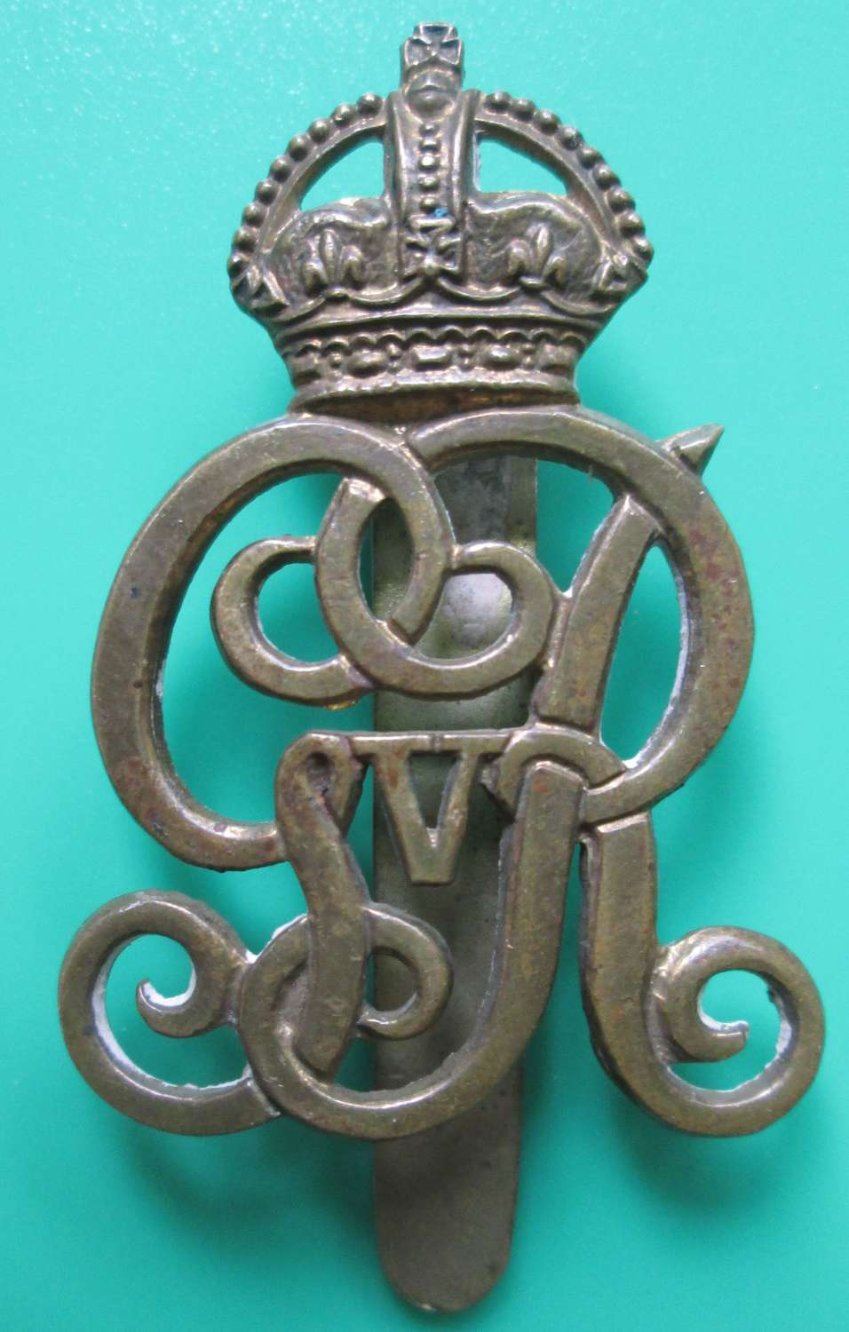 A GOOD OTHER RANKS NORFOLK YEOMANRY CAP BADGE