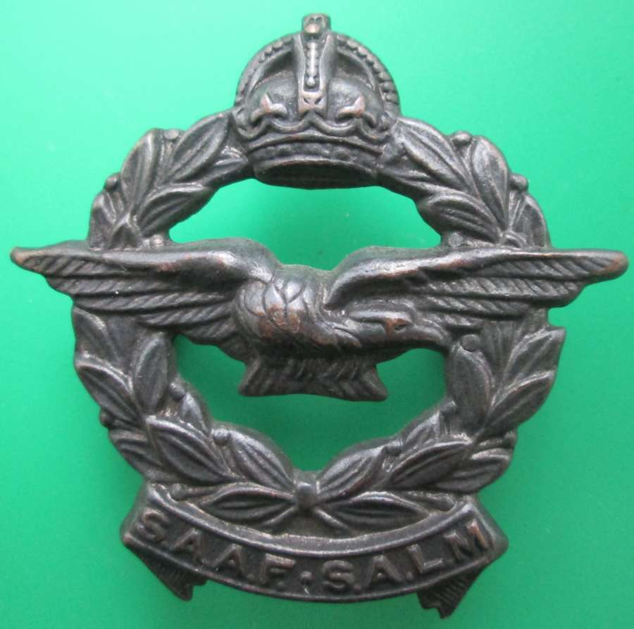A SOUTH AFRICAN AIR FORCE CAP BADGE